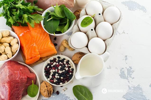 Білкові продукти потрібно розподілити протягом дня