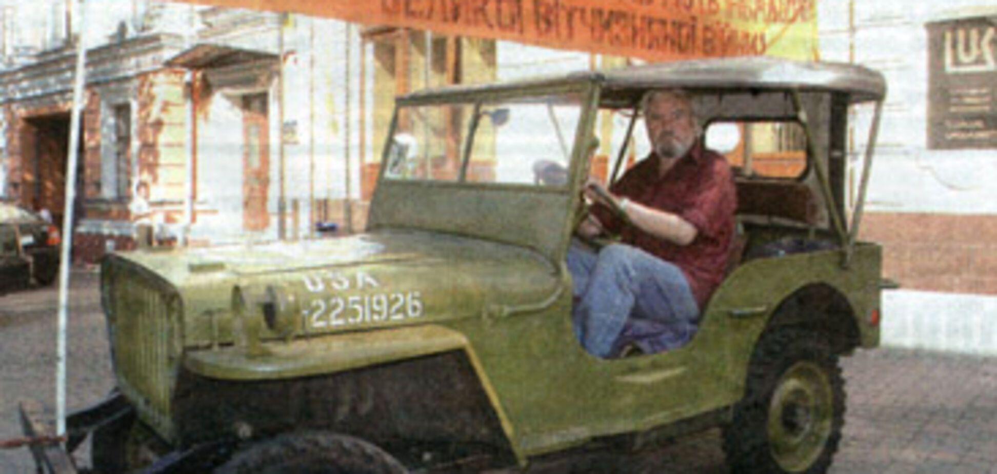 Ветеран на броньовику влаштував акцію протесту проти подорожчання бензину