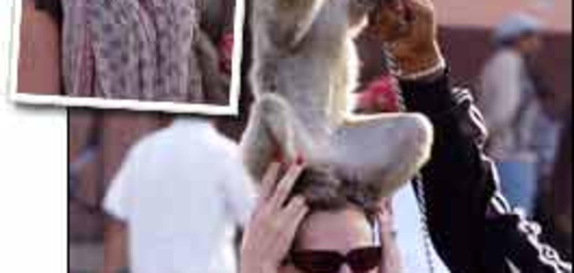 На Джулию Робертс напала обезьяна (ФОТО)