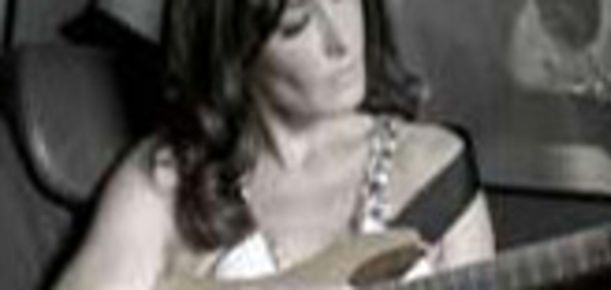 Карла Бруні знялася в рекламі Lancia Musa. ВІДЕО