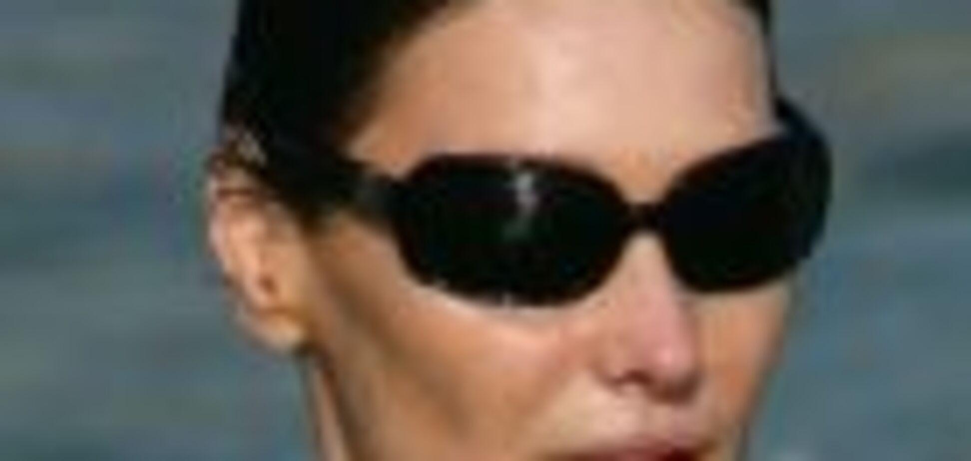 А ви бачили дружину президента в бікіні?