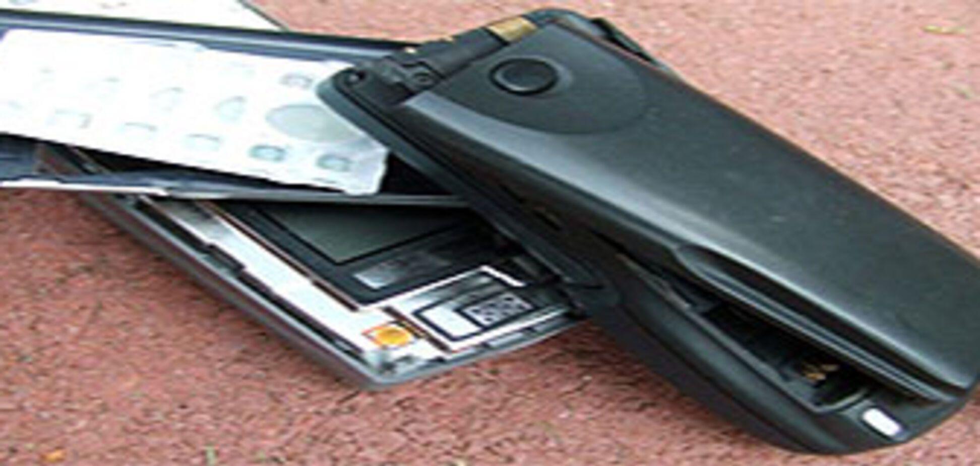 Як убити мобільник об підлогу: інструкція