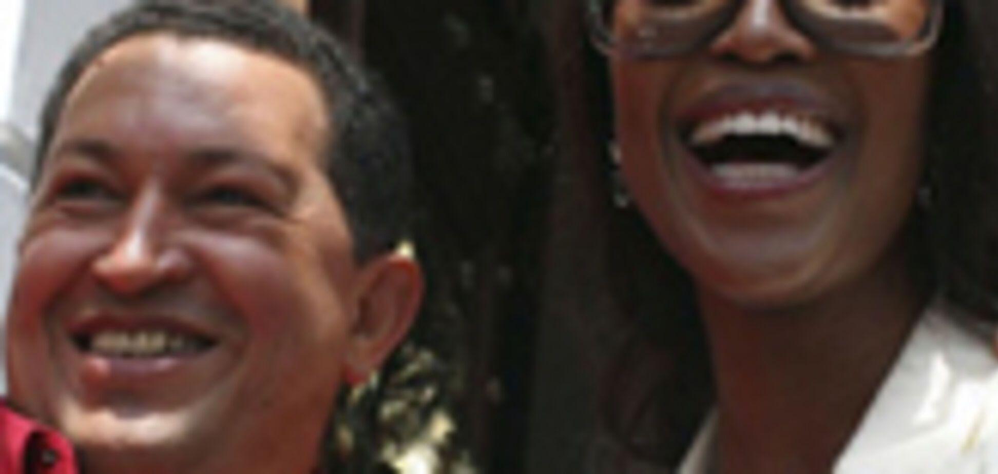 Наомі Кемпбелл помацала і взяла у Уго Чавеса. Інтерв'ю