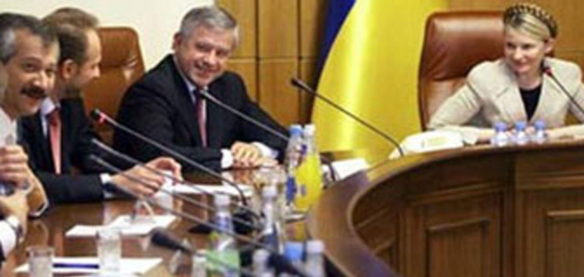 Тимошенко 'береже' своє місце в Кабміні