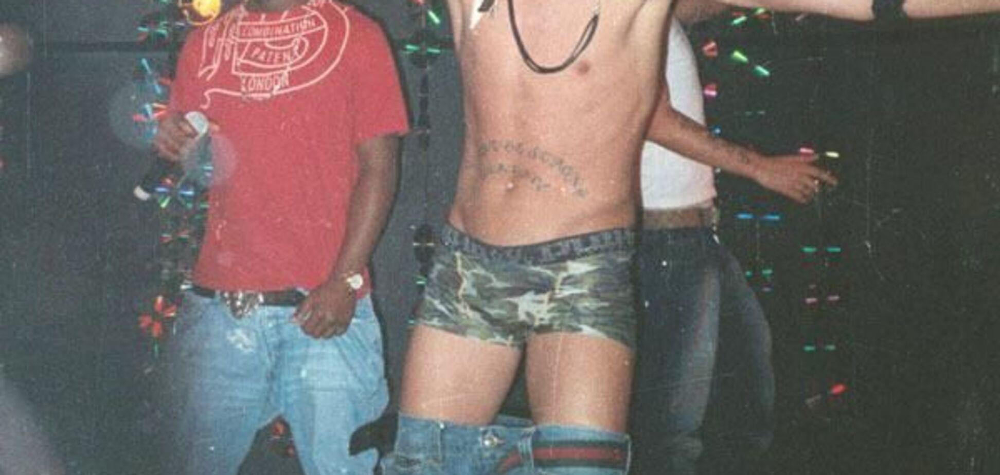 Вопрос дня: Почему Тимати без штанов?
