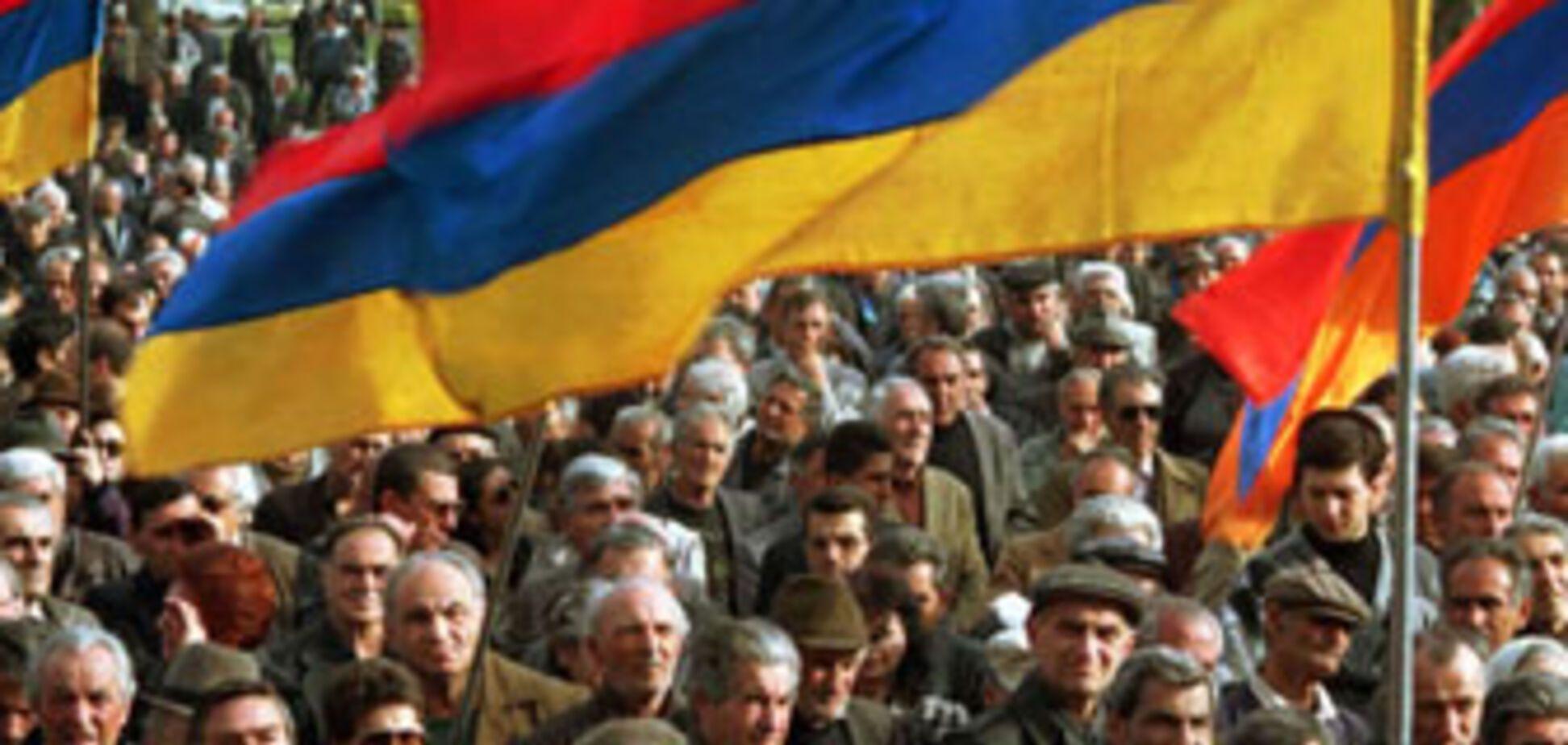Число жертв заворушень в Єревані стрімко зростає