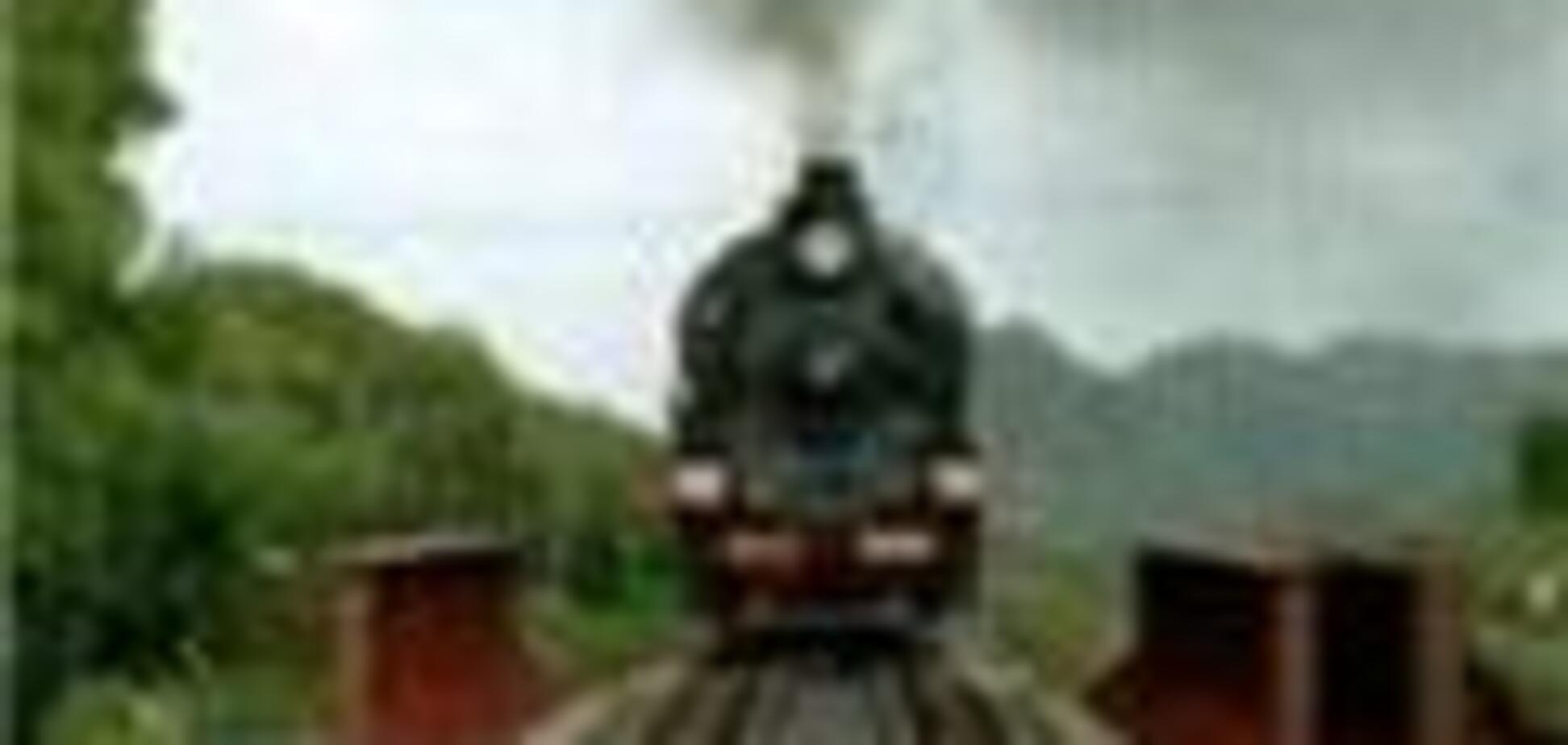 Електропоїзд зім'яв 'Daewoo', є жертви