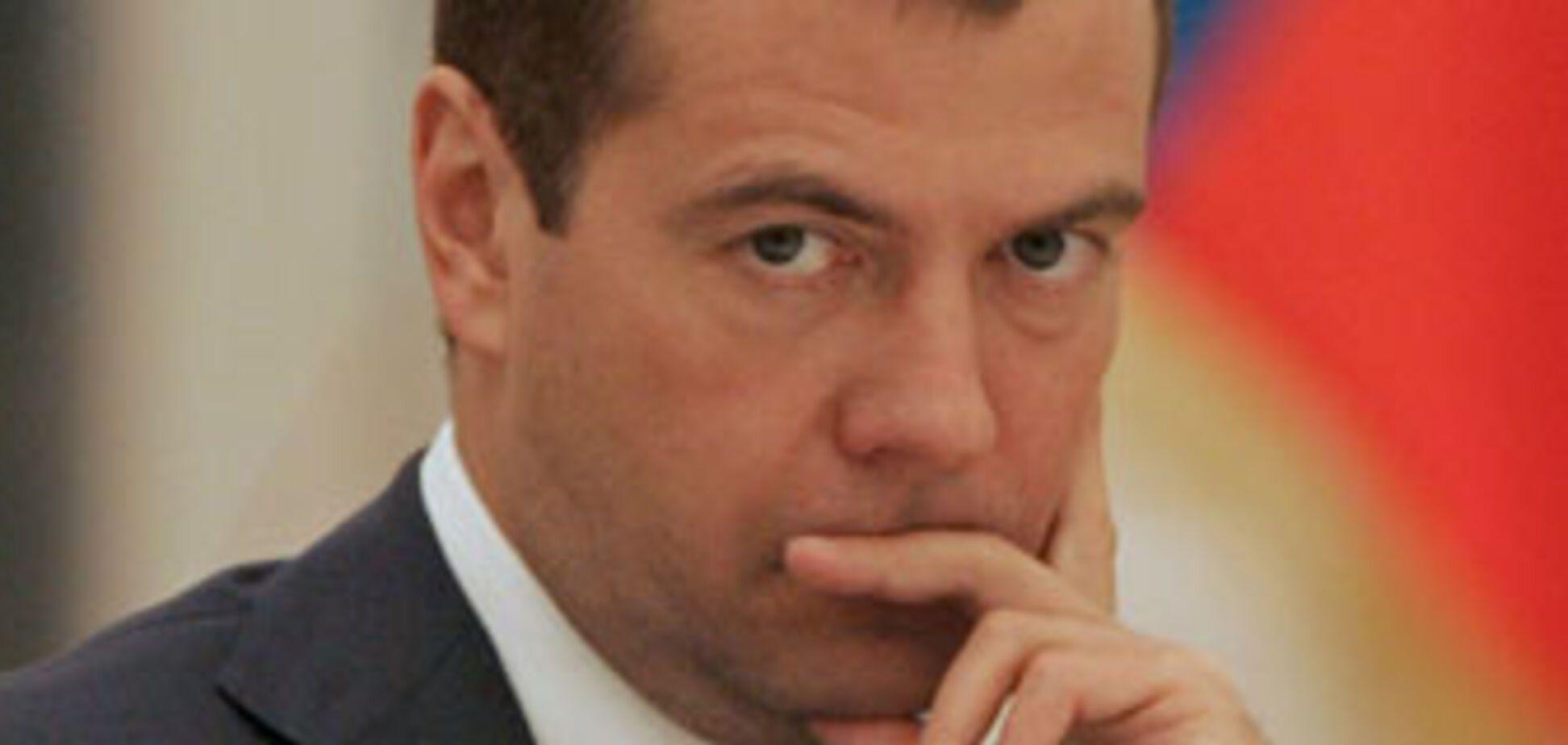 Росіяни вибирали Медведєва під гіпнозом?
