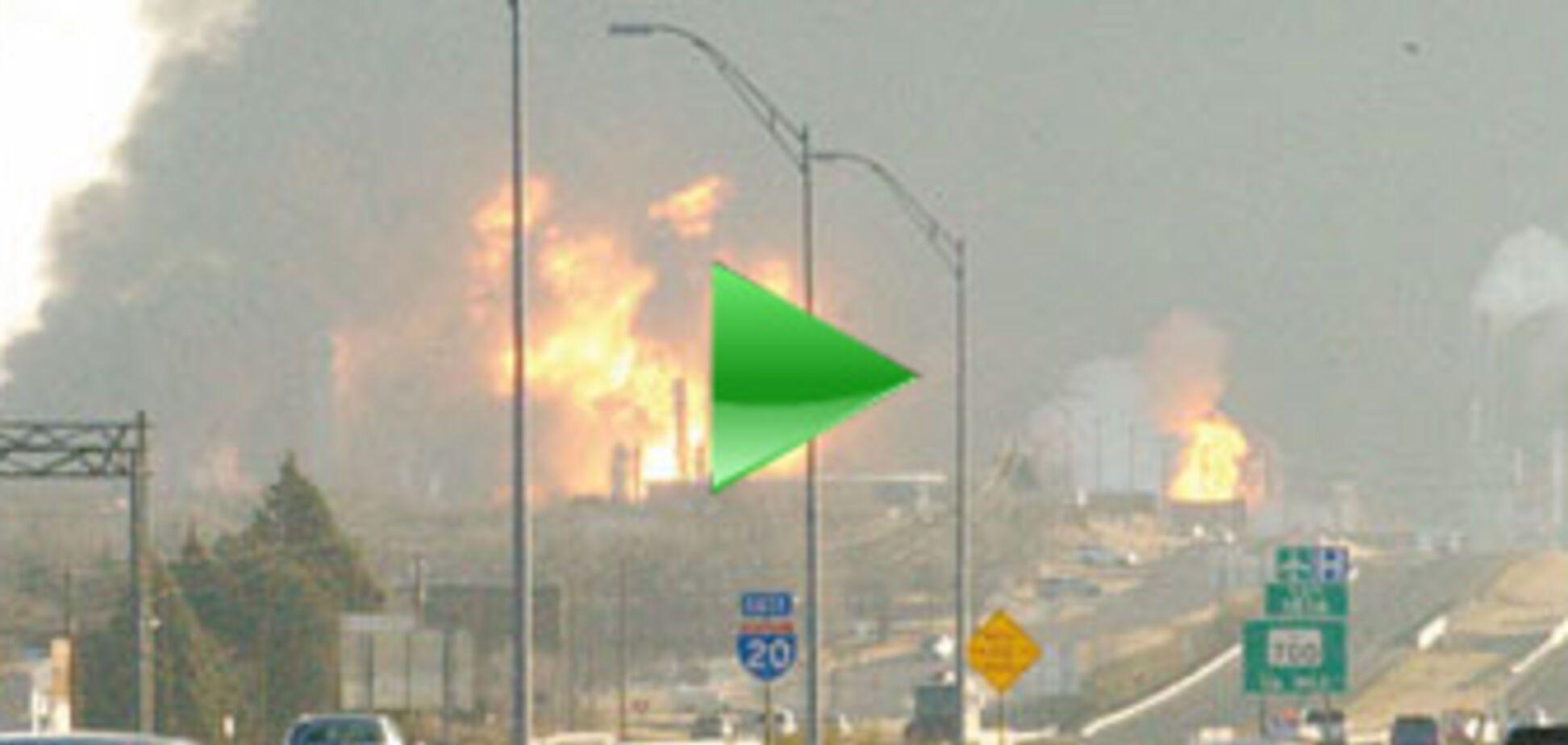 Пожежа на нафтобазі згасити все ще не вдається