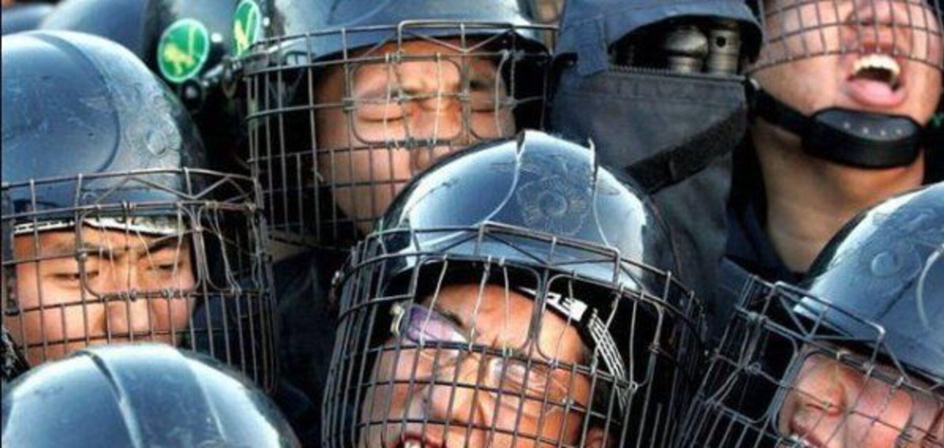 Будні поліцейських. Поліція з народом і проти нього