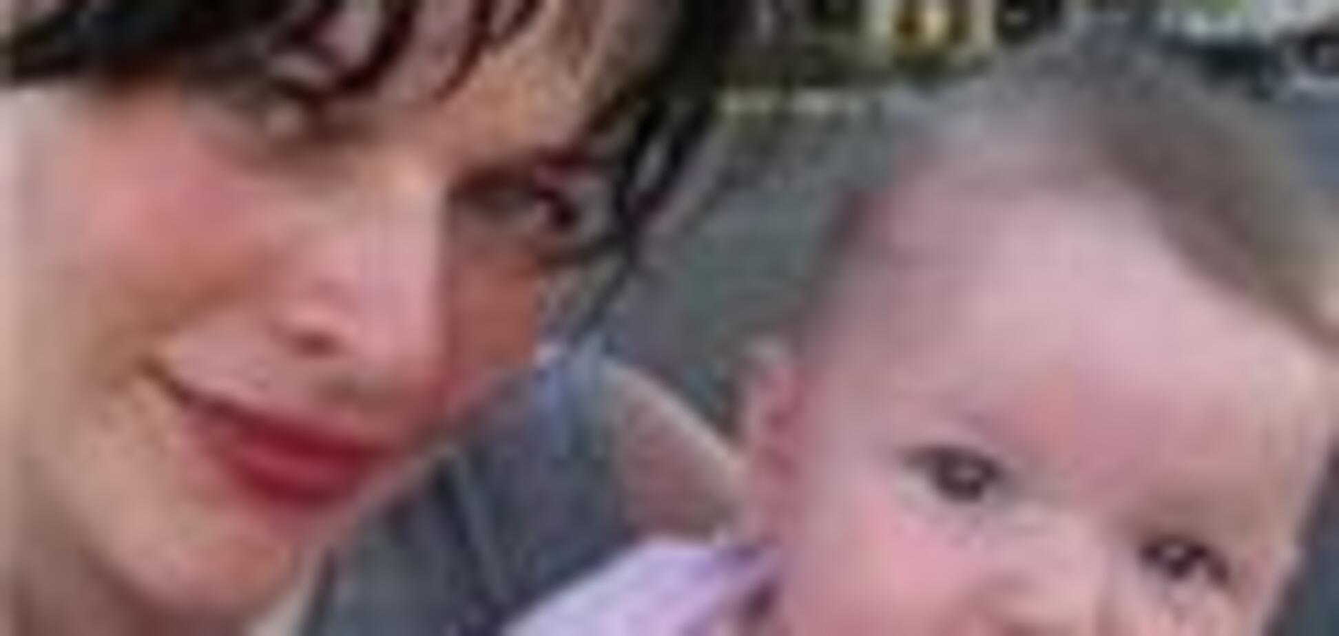 Мілла Йовович показала свою доньку. Безкоштовно