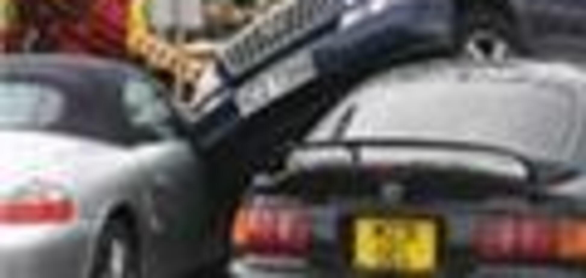 Ірландка припаркувалася на даху чужого автомобіля