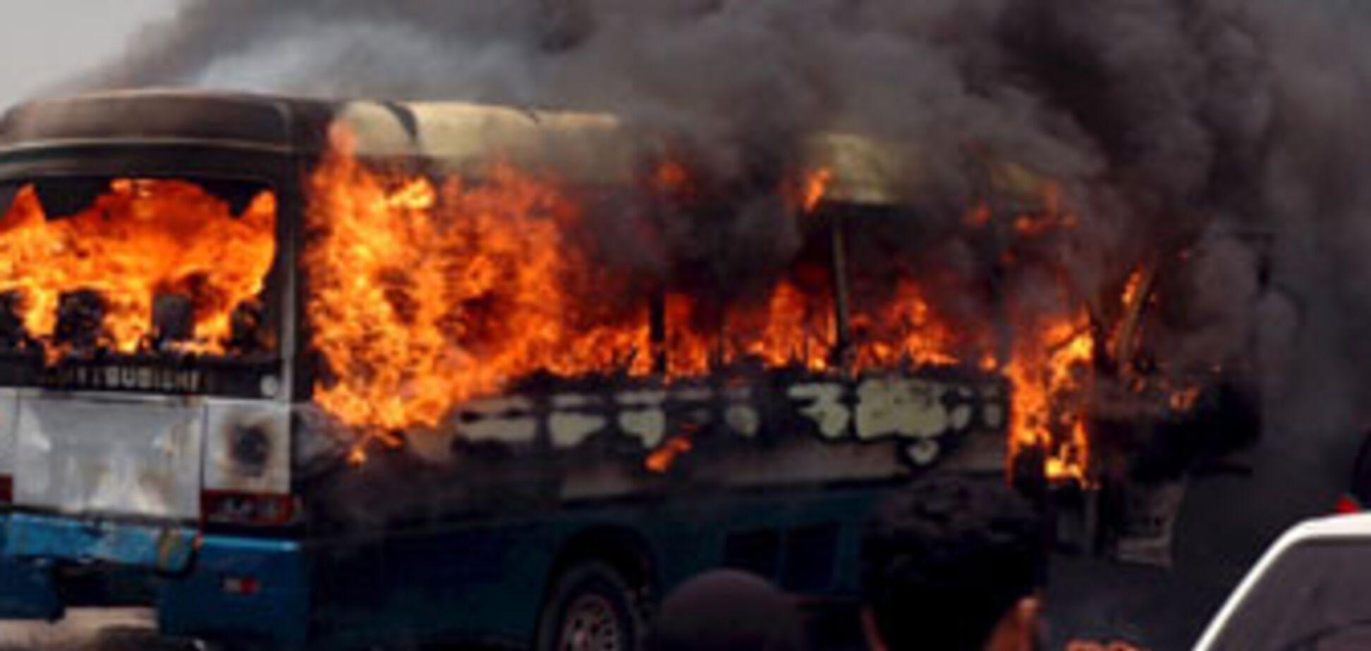 На Шри-Ланке подорваны два пассажирских автобуса