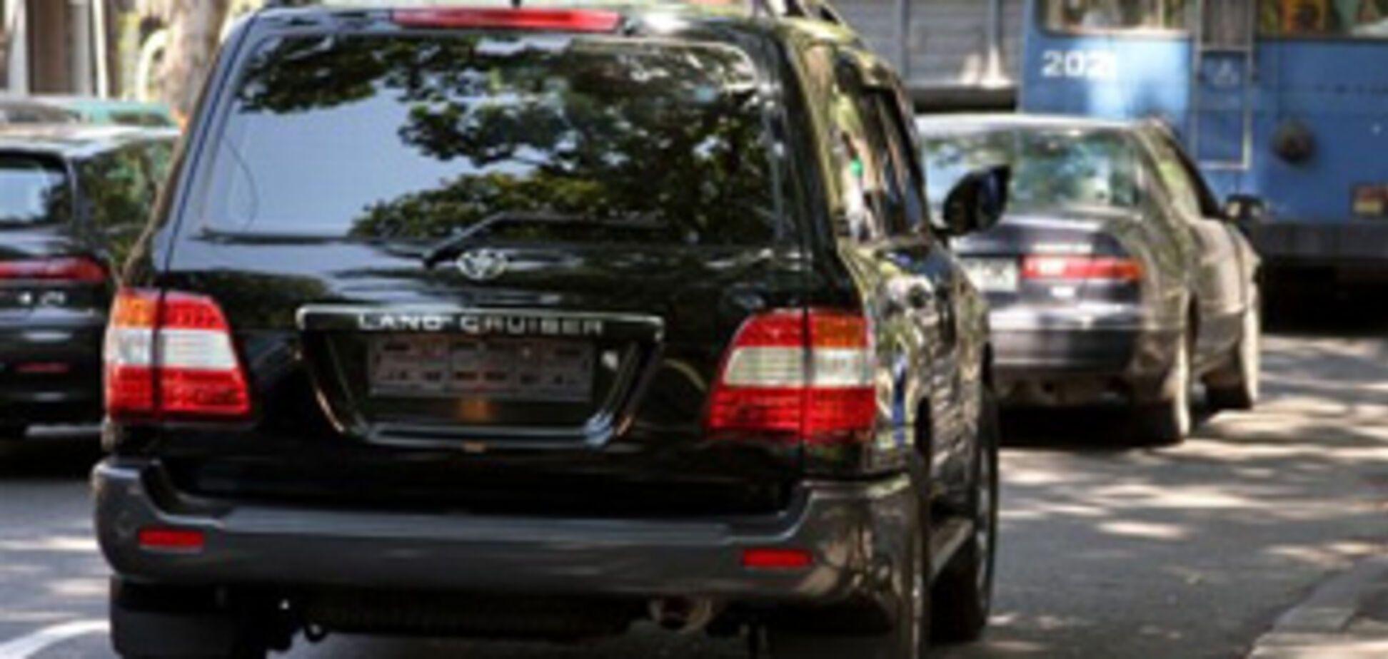 Уволен сбивший девушку водитель мэра Одессы