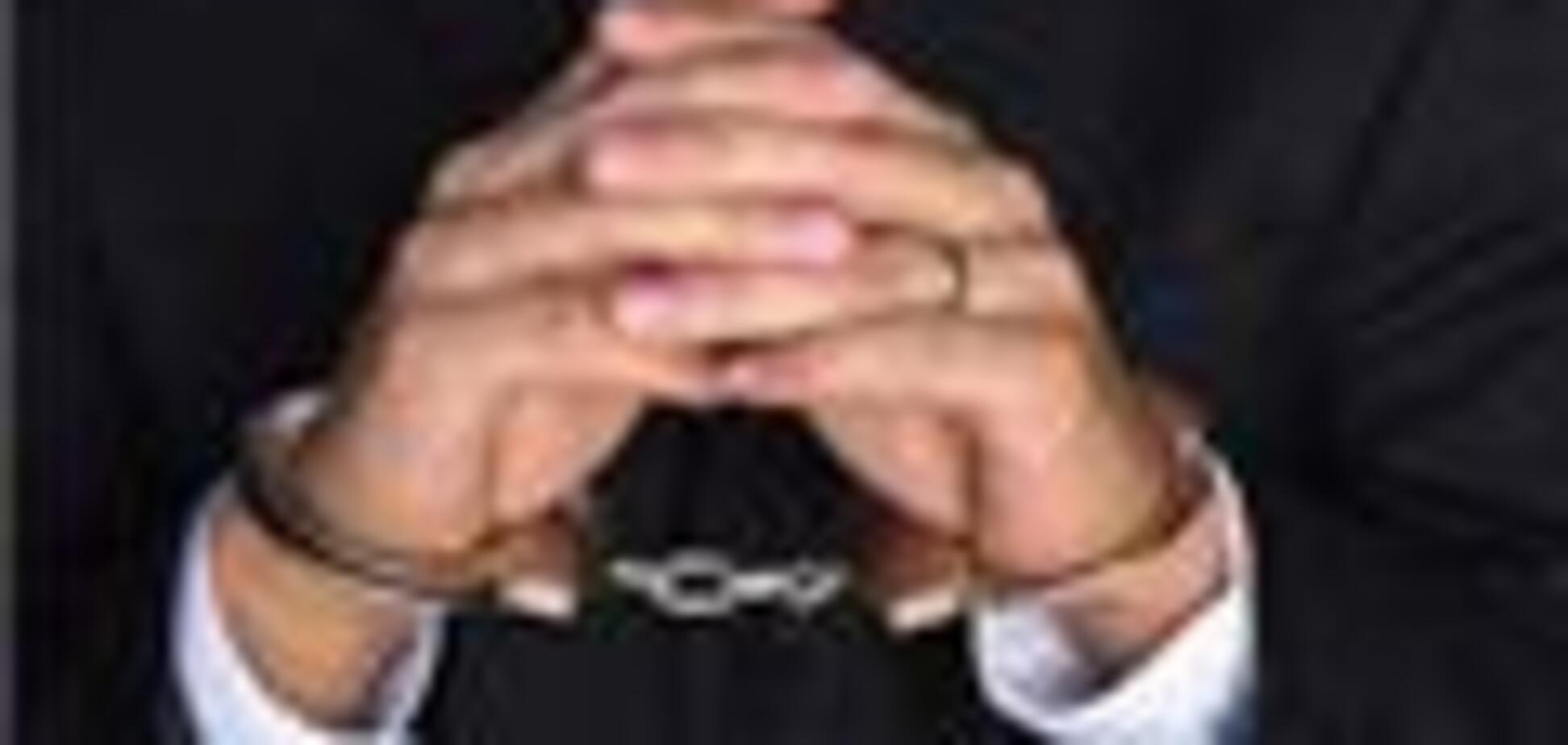 В Гаагском трибунале Караджич будет защищаться сам