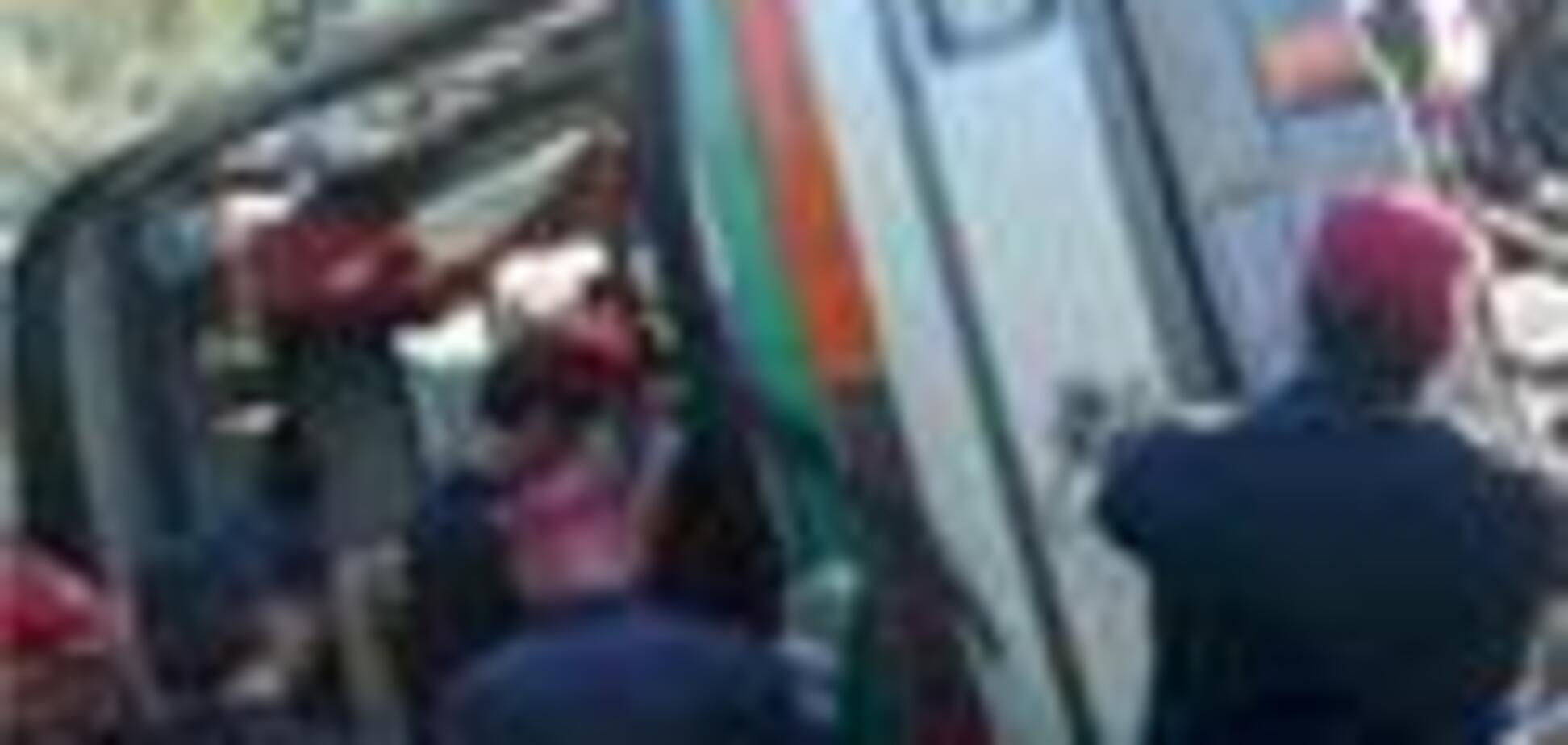 Автобус врезался в грузовик в Италии, четверо погибших