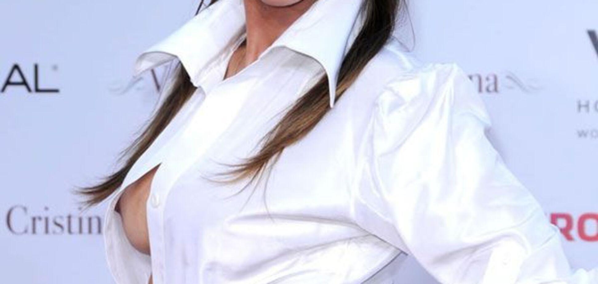 Ніпсліп актриси Марсели Мар. Ліфчик треба підчіплювати ...