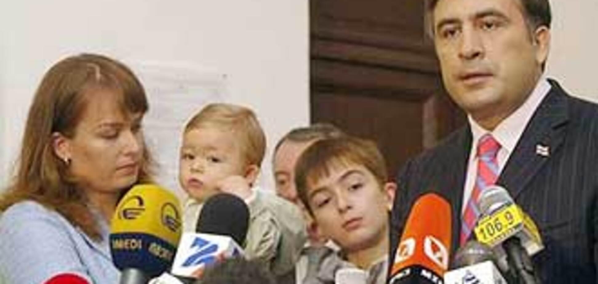 Ющенко привез жену Саакашвили в Крым
