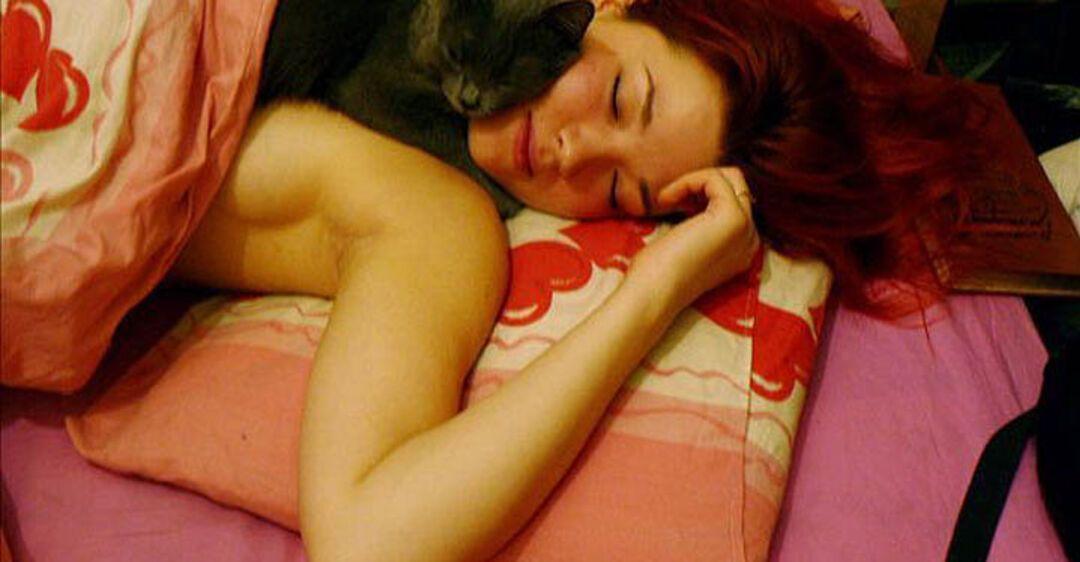 Женщина спит прикольные картинки