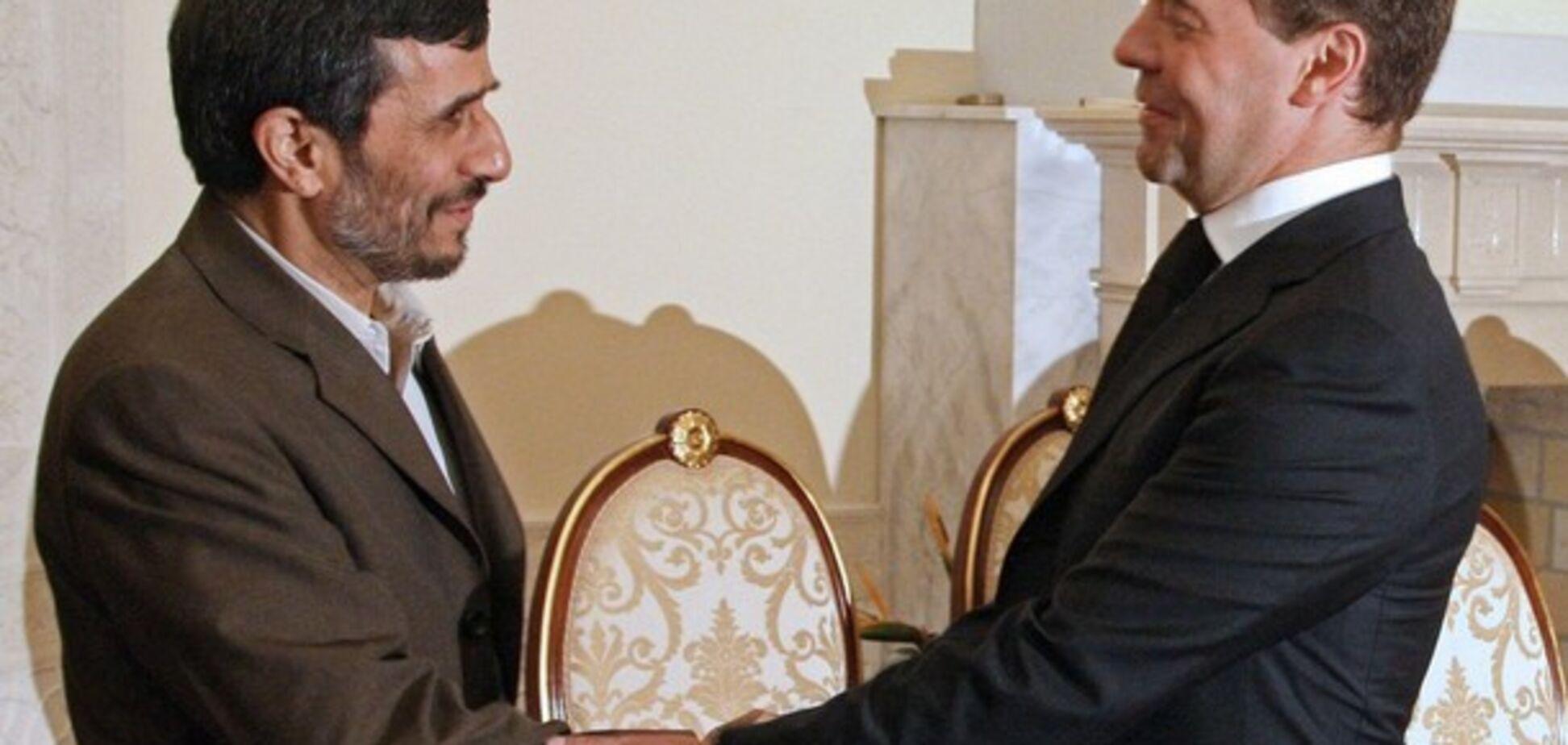 Вопрос в студию: А какой рост у Ахмадиненджада?
