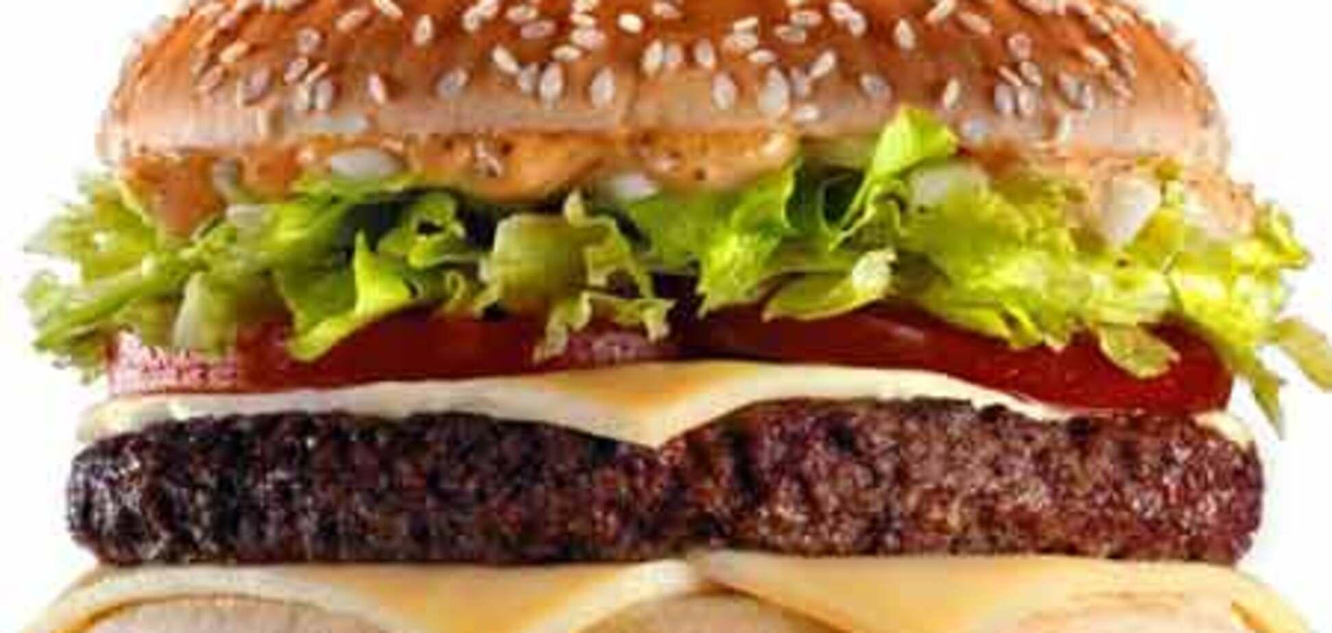 Британец получил $1 млн за отравление гамбургером
