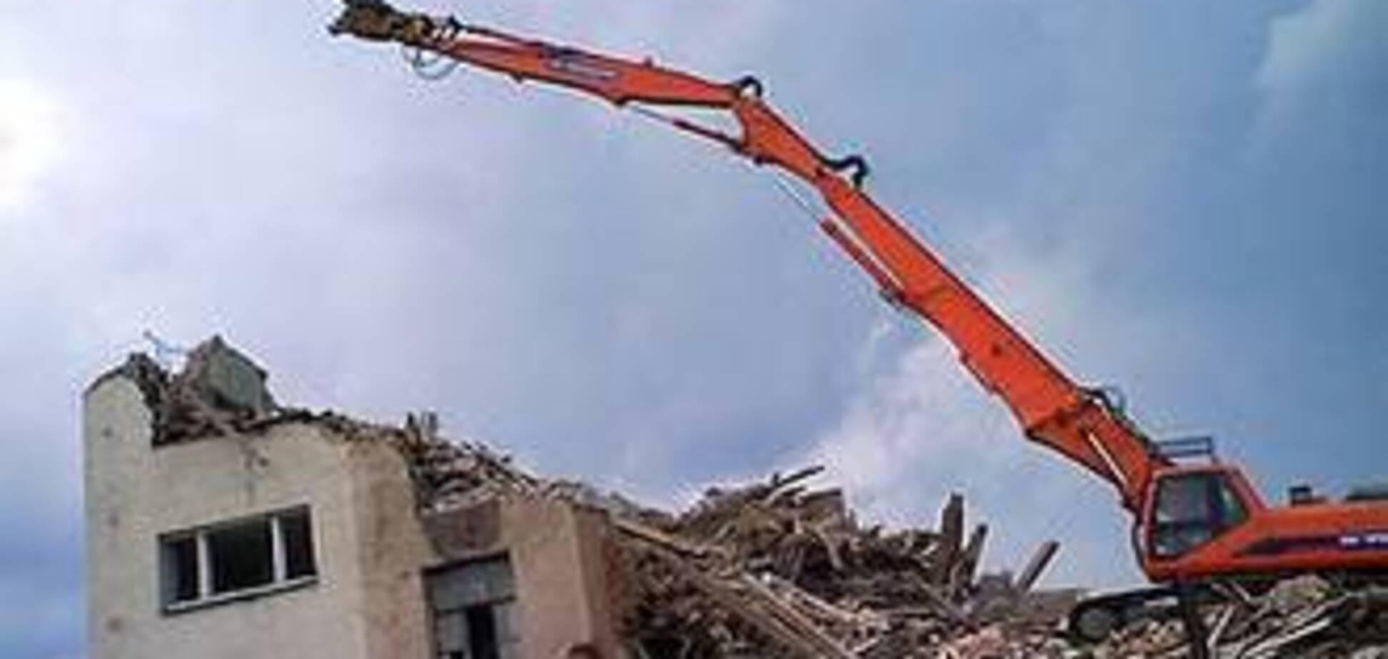 Мешканці багатоповерхівки загрожують владі масовим суїцидом