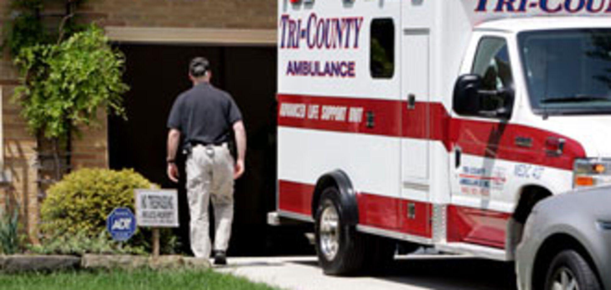 Хворого пенсіонера забули в машині швидкої допомоги