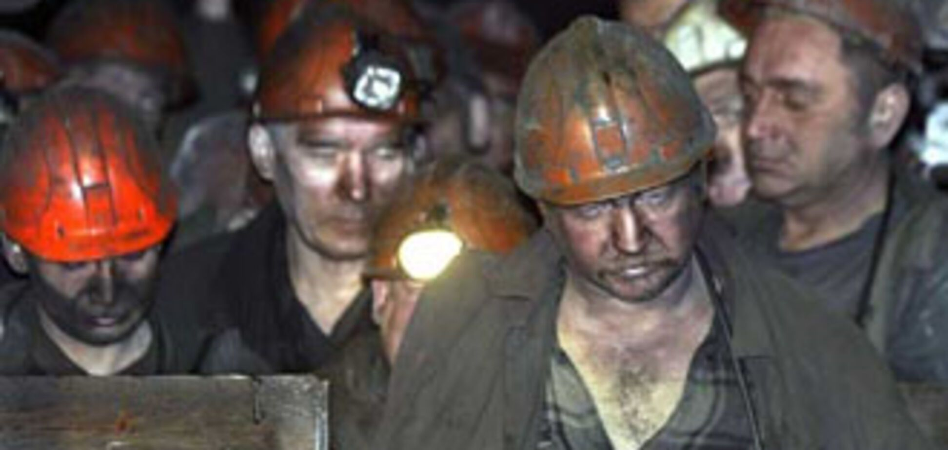 На Донеччині 9-у добу гасять пожежу на шахті