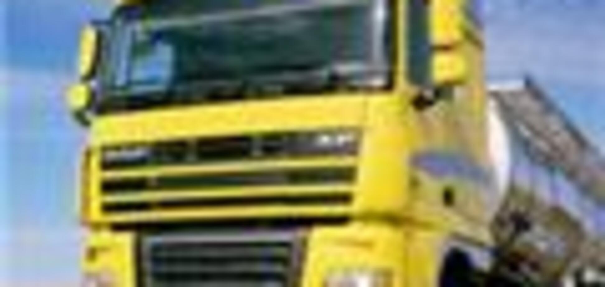 На Львівщині вантажівка на смерть задавив іноземця