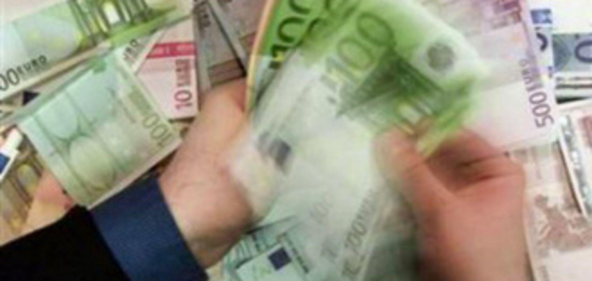 Подешевел наличный евро, 1 декабря 2009