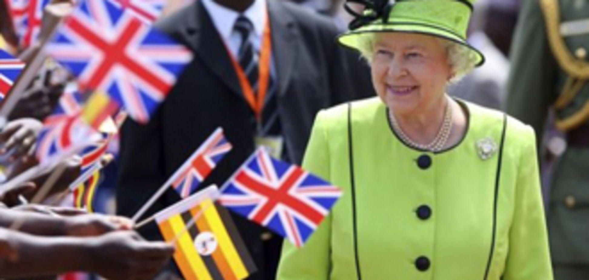 Ее Величество Королеву Англии обозвали 'паразитом'