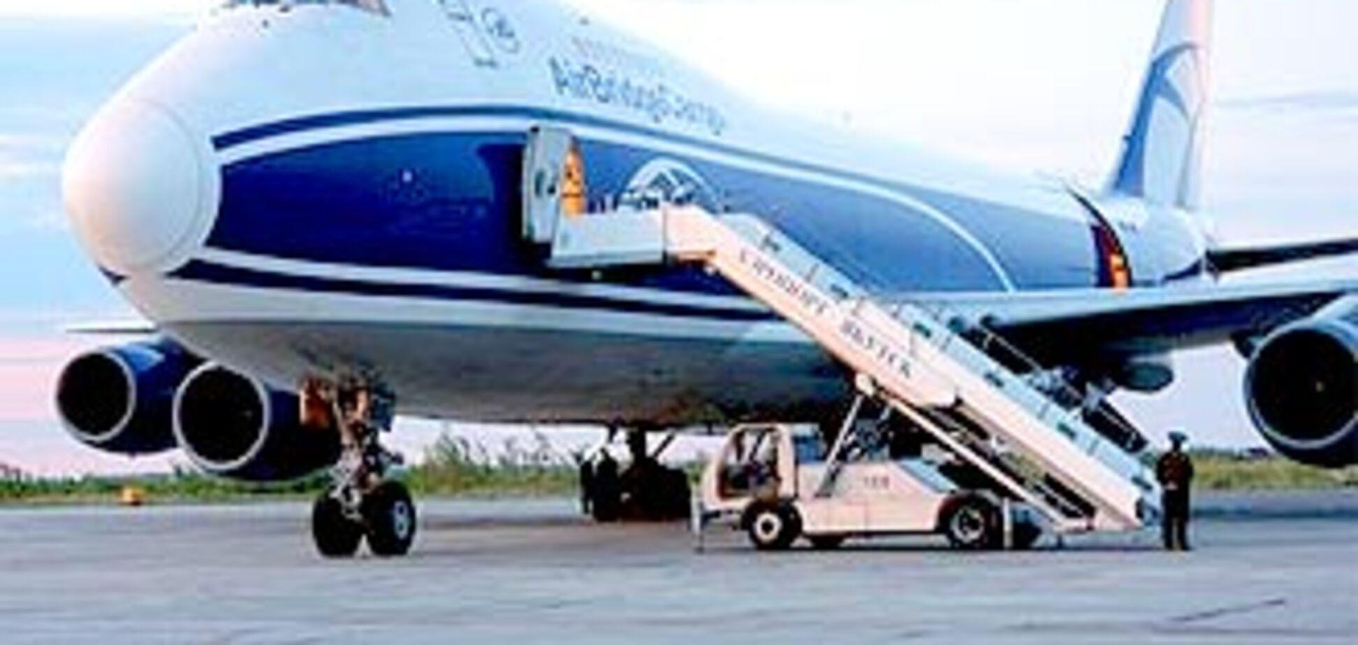 Над Москвою літає аварійний 'Боїнг'. Посадка переноситься