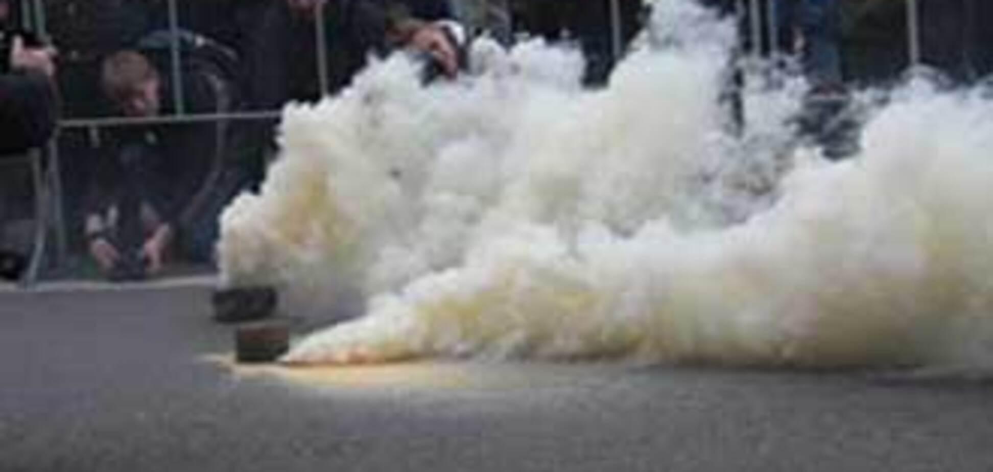 Митинг социалистов забросали дымовыми шашками. ВИДЕО