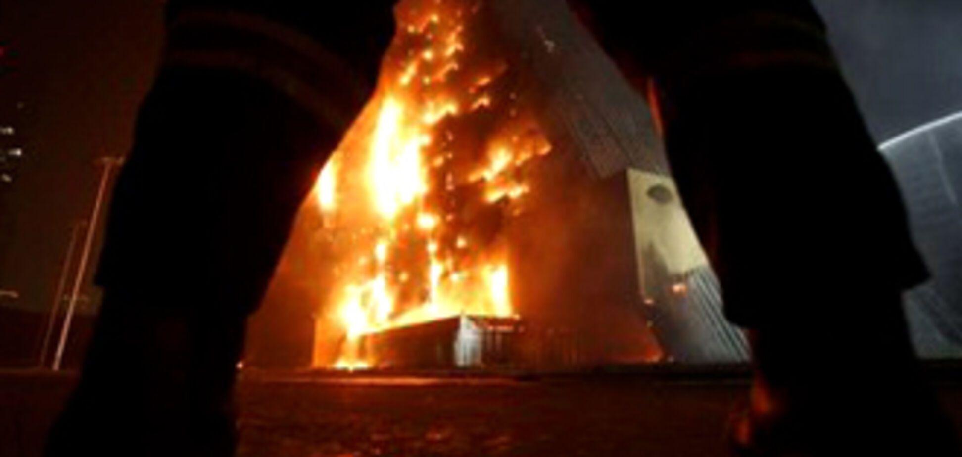 При пожаре на газопроводе в Москве сгорели 14 автомобилей