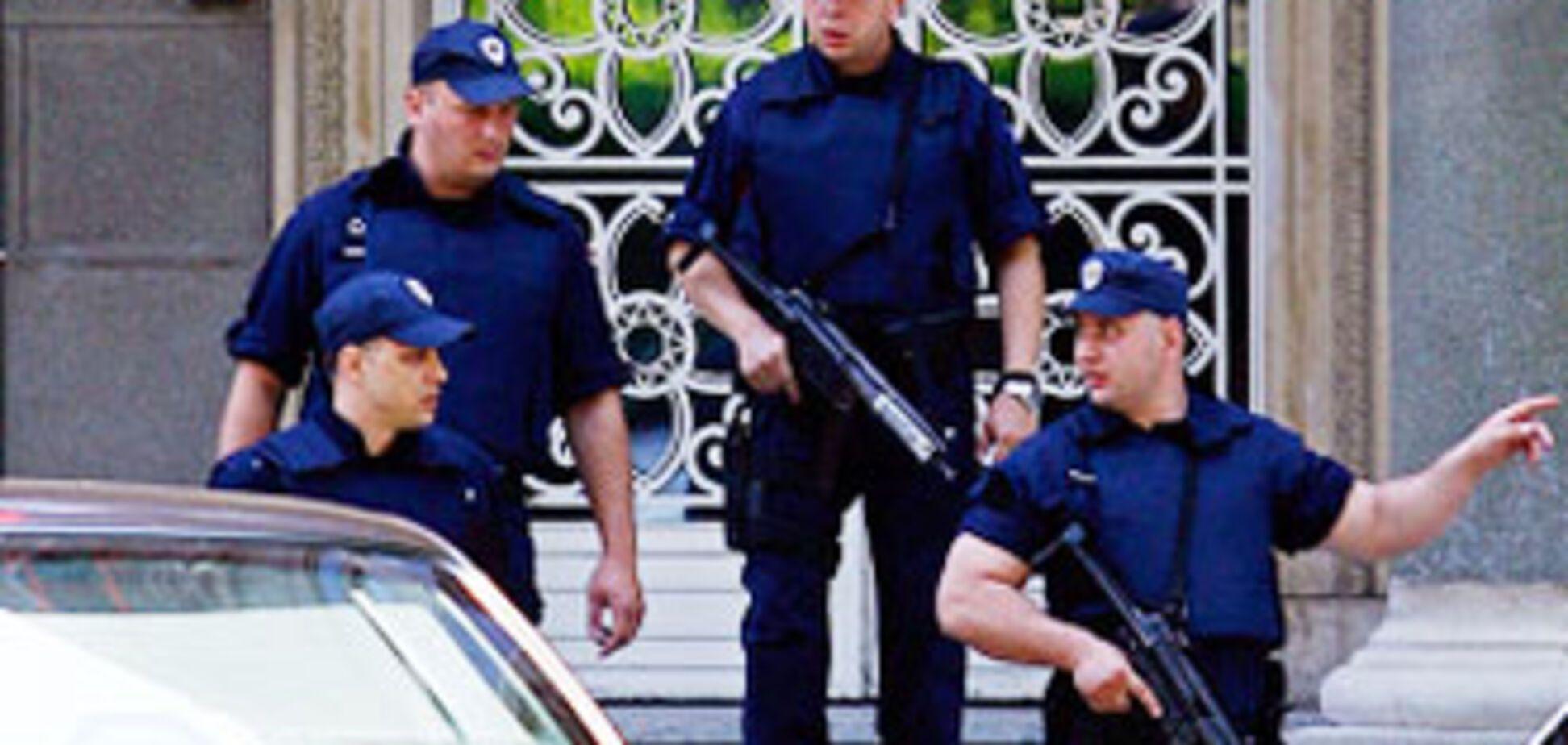 Президент Сербії особисто проводить переговори з терористом