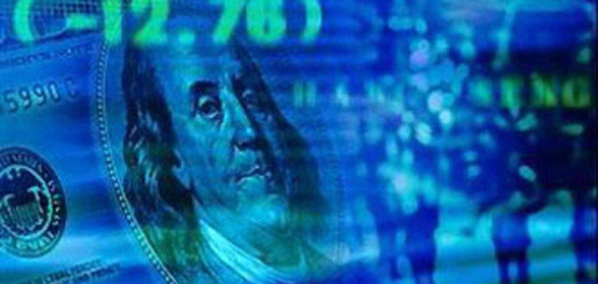 НБУ диктує свій курс долара