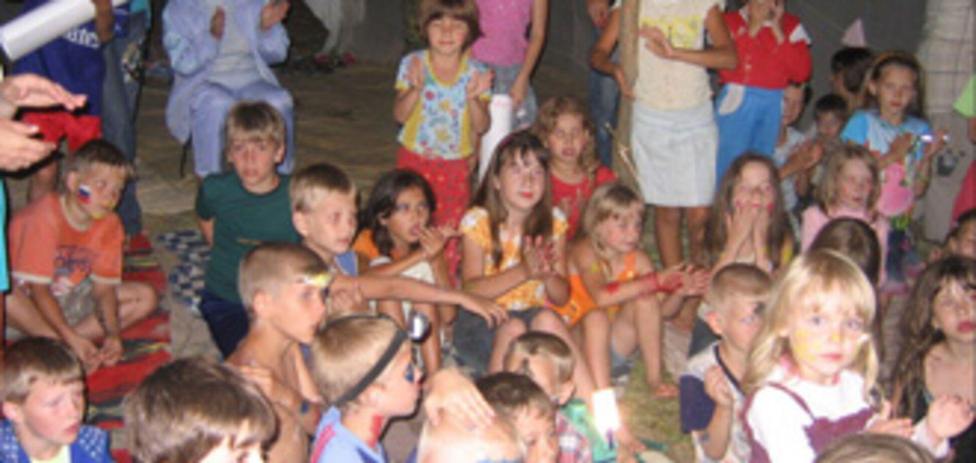 Работник детского лагеря задушил школьницу