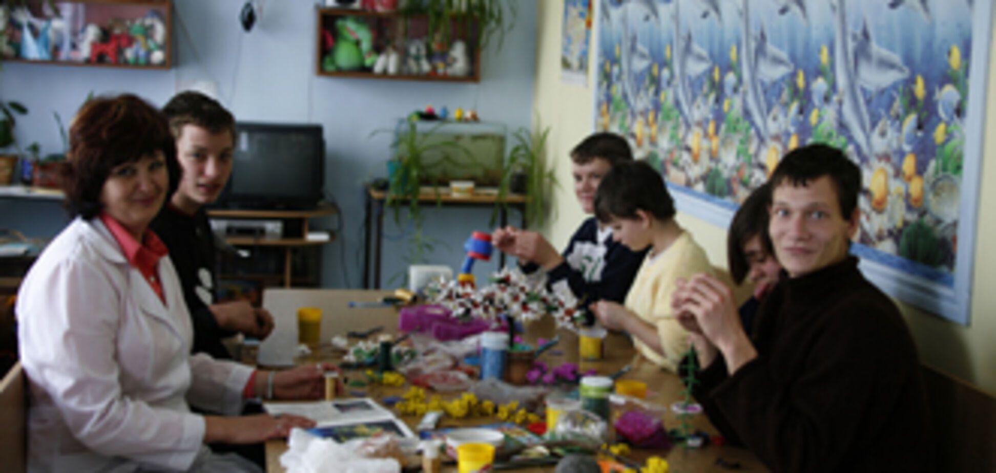 Юных инвалидов заставляли строить дома для воспитателей