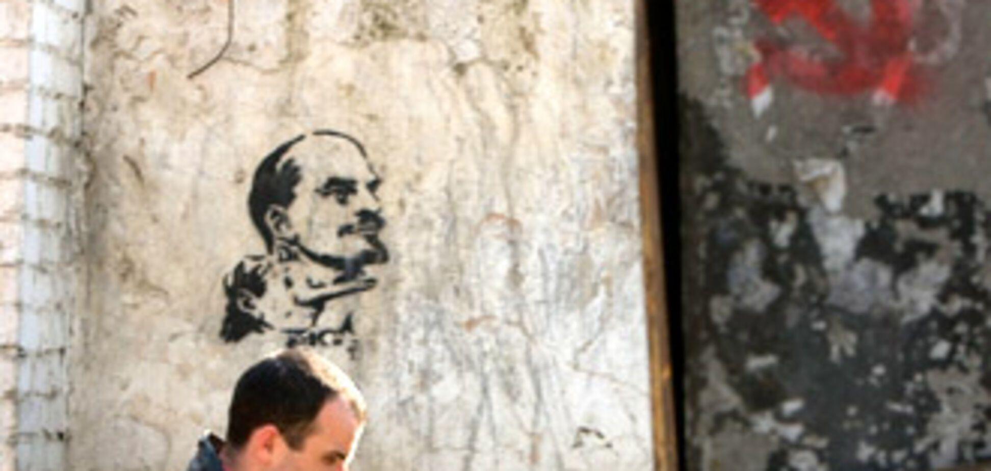 Молдавские коммунисты 'пролетели' с большинством (ОБНОВЛЕНО)