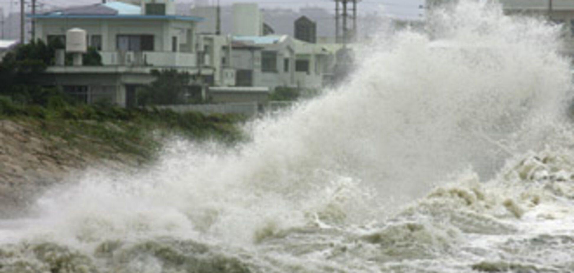 Миллион китайцев эвакуировали в ожидании тайфуна