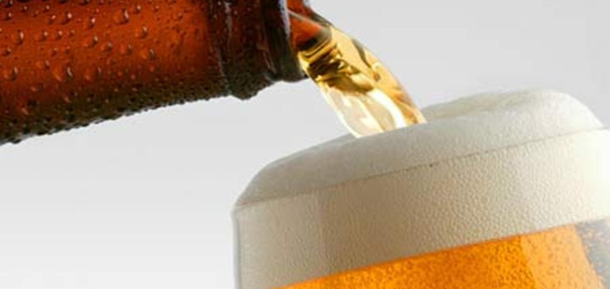 В Украине запретили пить пиво на остановках и в подземных переходах