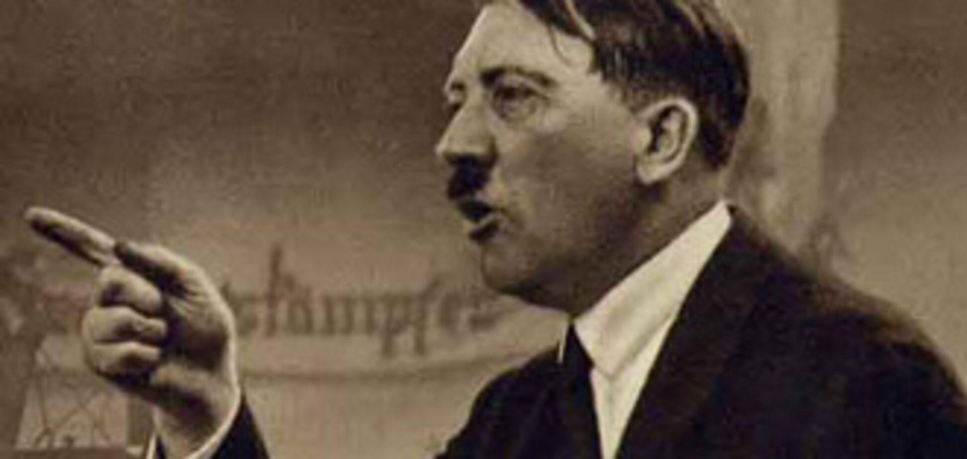 Британця строго покарали за костюм Гітлера