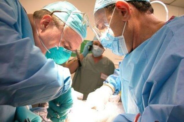 Хирург, проводящий операцию, вам представится благоприятный случай в борьбе с конкурентами или соперниками на личном фронте.