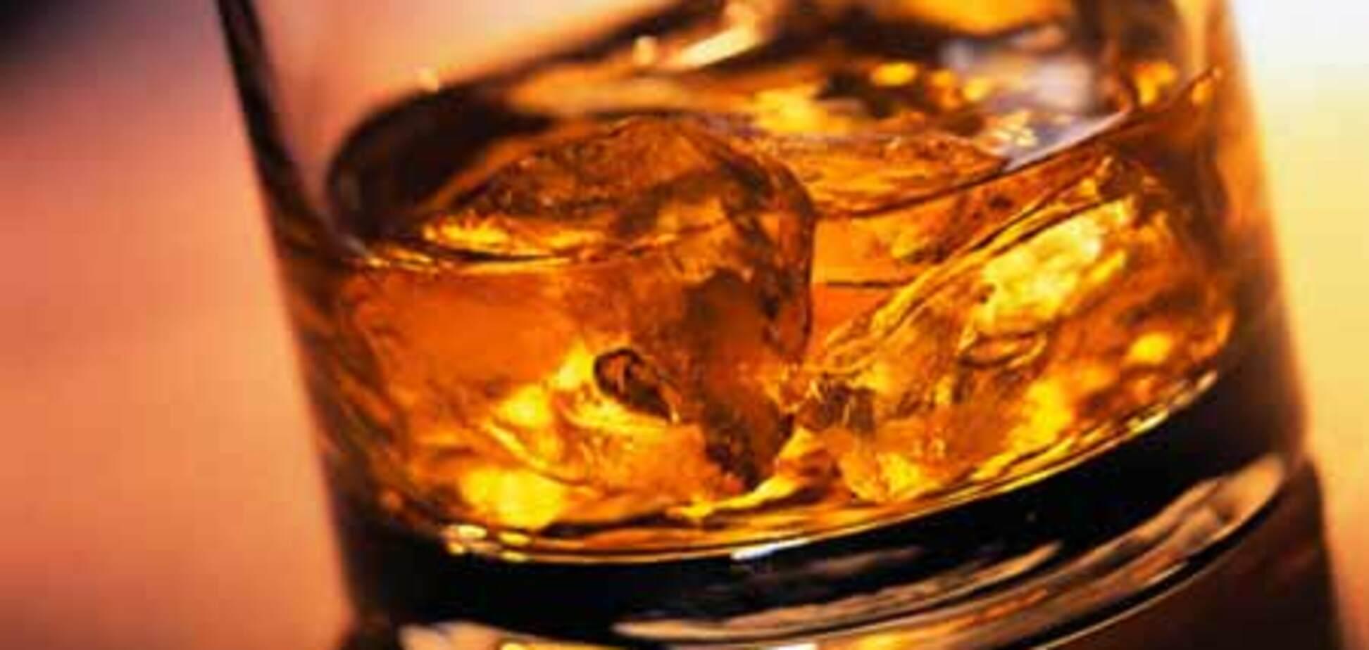 Столетний виски успешно извлекли из арктических льдов