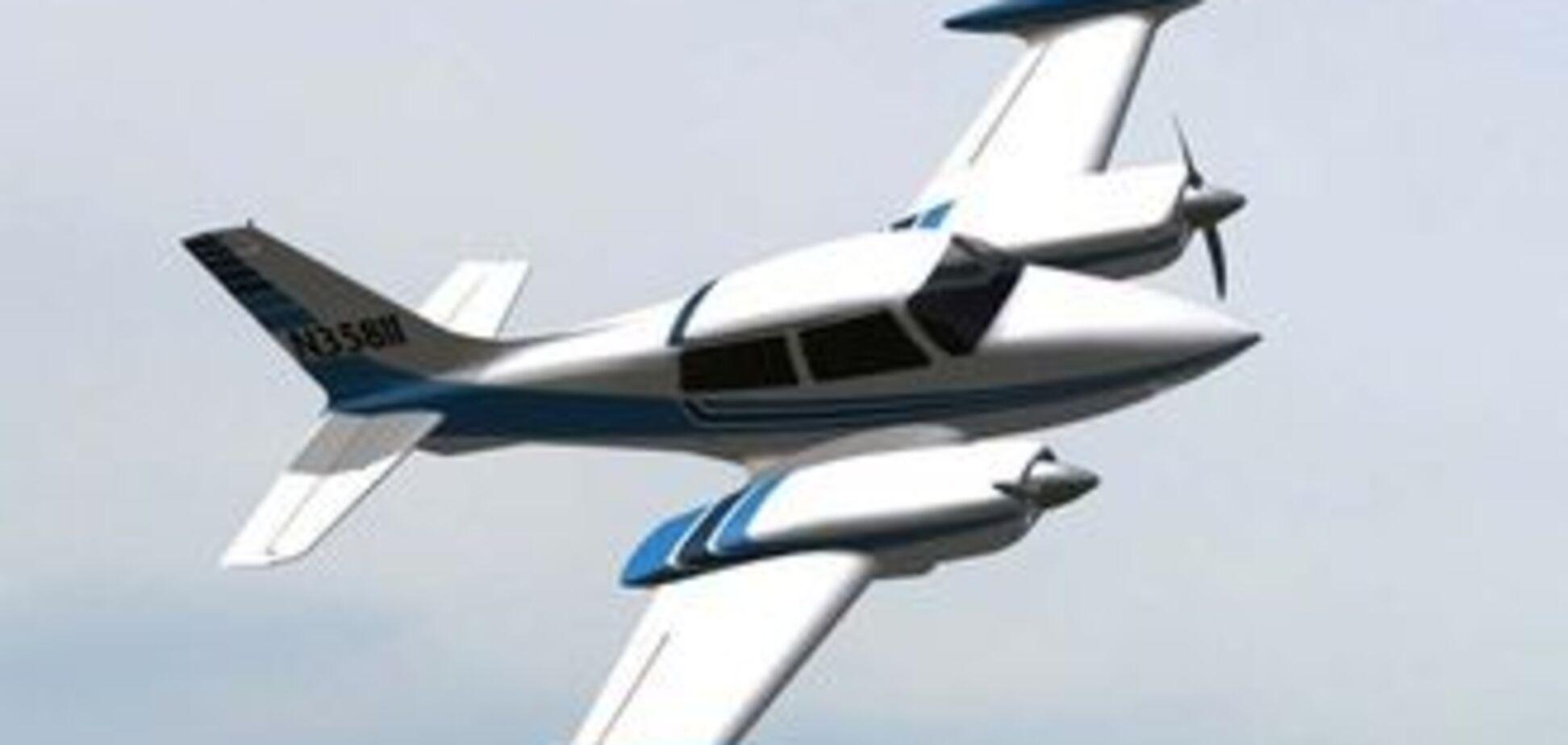 Легкомоторный самолет разбился в США, трое погибших