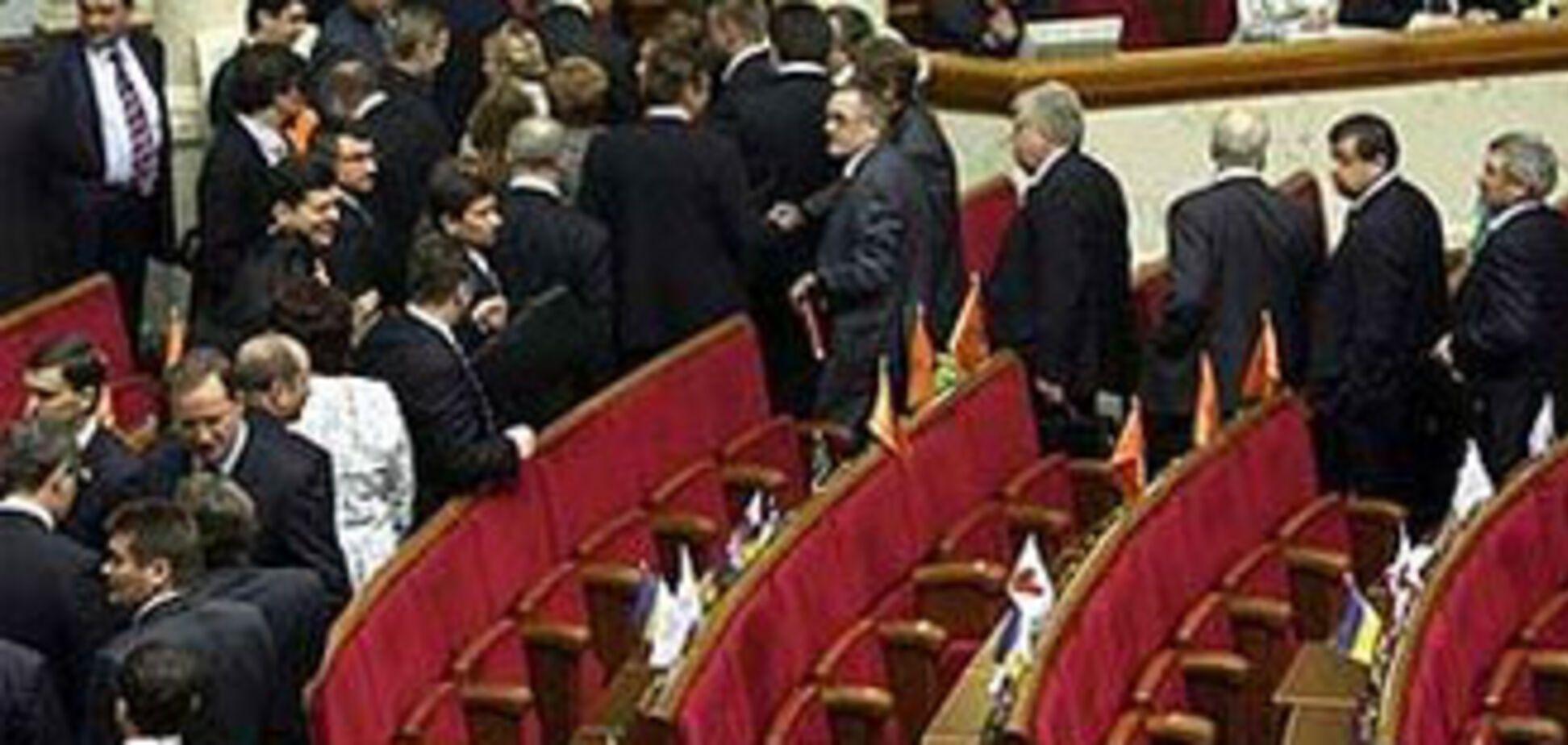 Литвин перестав 'катувати' депутатів і відпустив їх у буфет