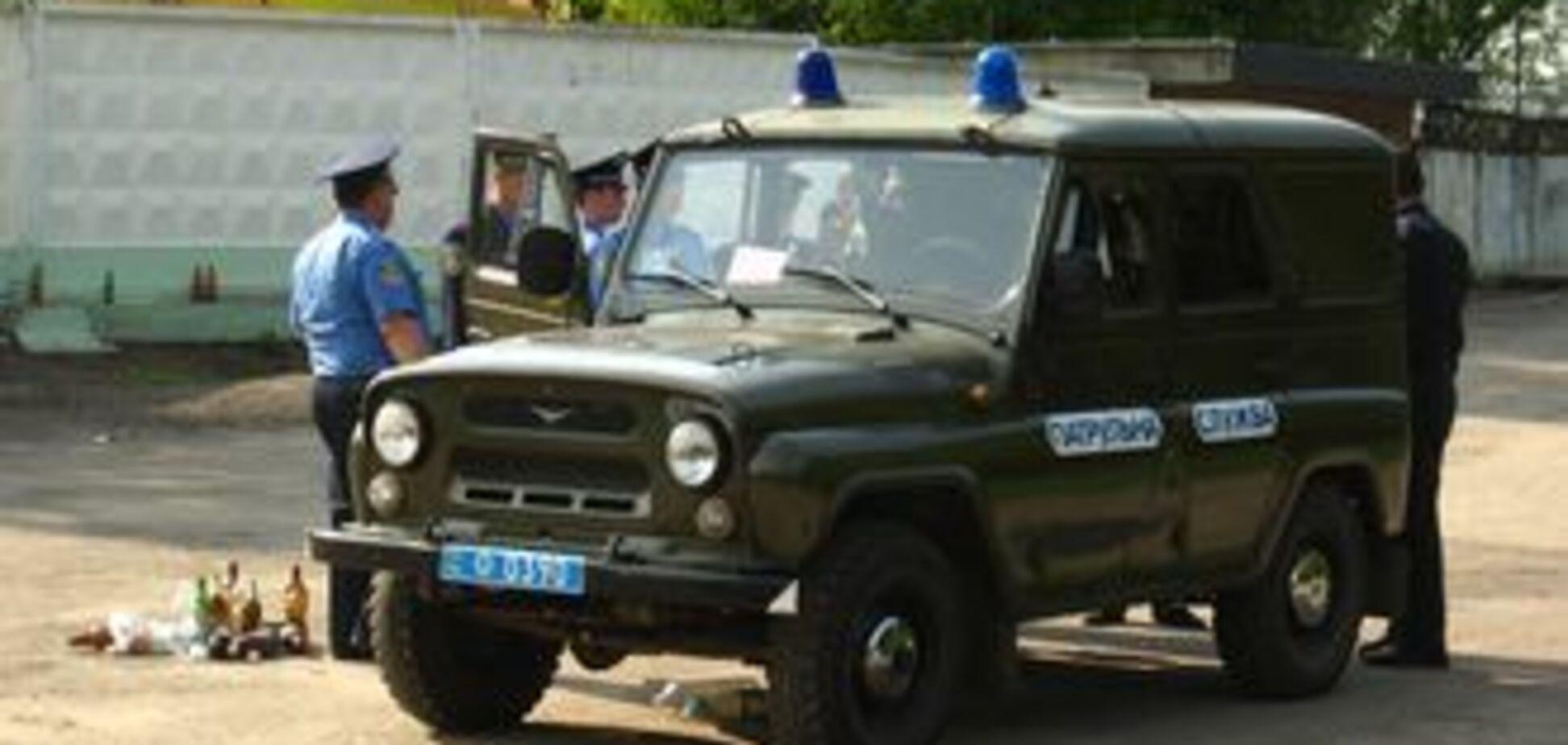 П'яний виборець зірвав погони з міліціонера
