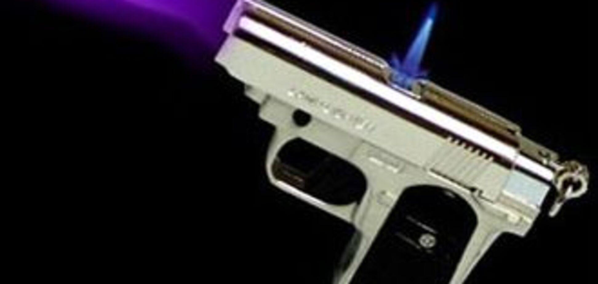 У Києві грабували відвідувачів кафе, погрожуючи запальничкою