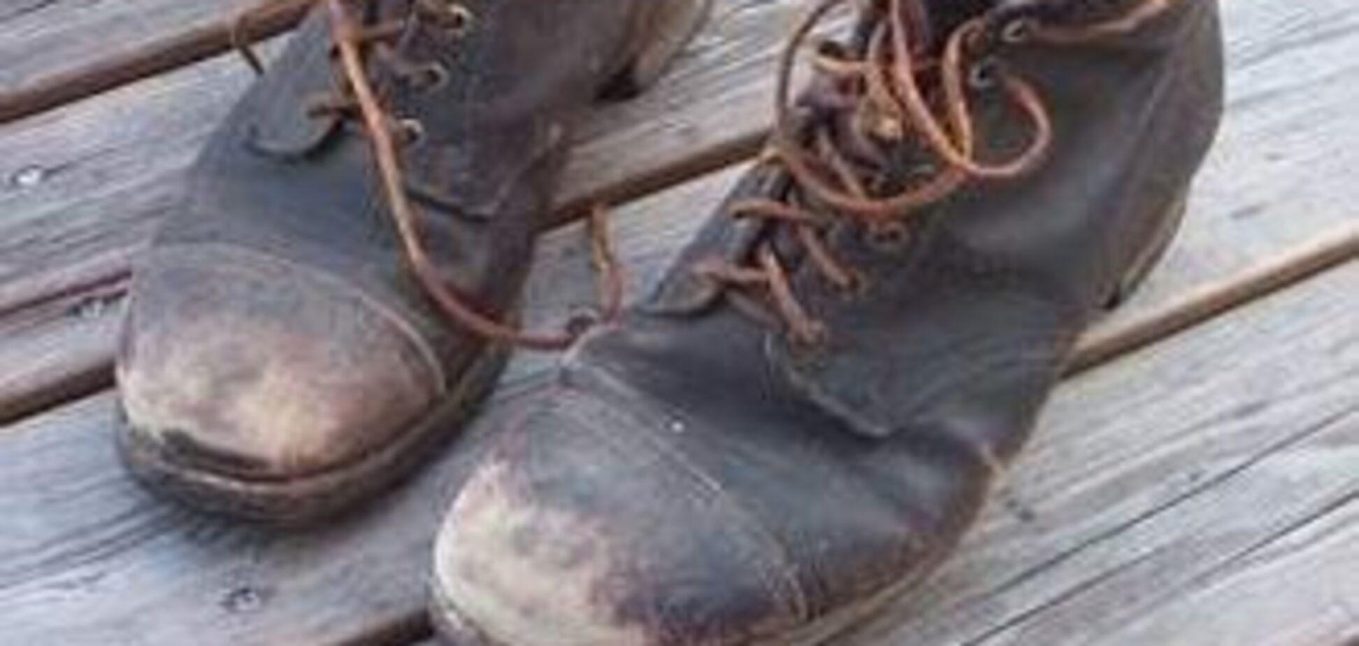 Чоловік намагався спалити черевик на борту літака