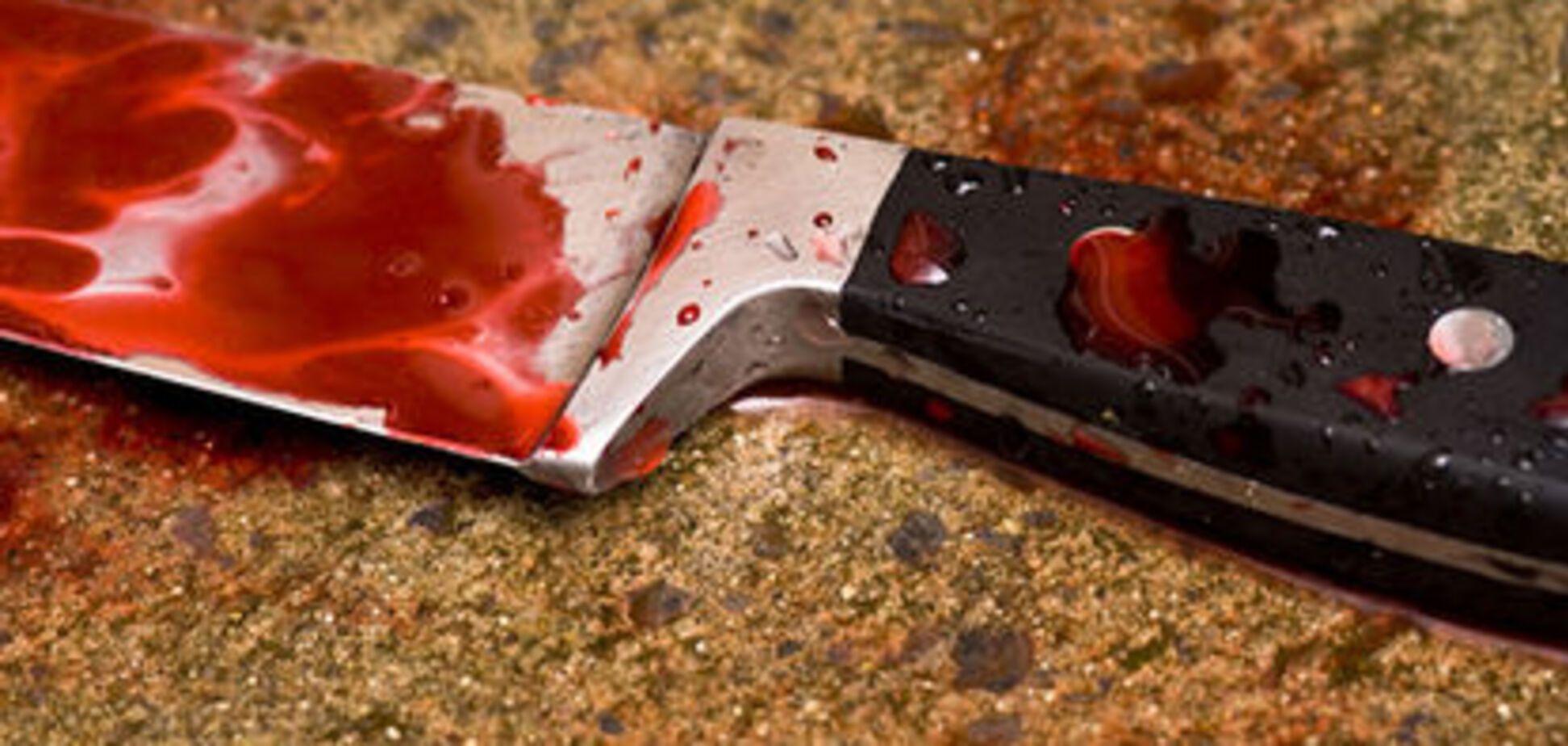 Жена пырнула мужа ножом за хлеб